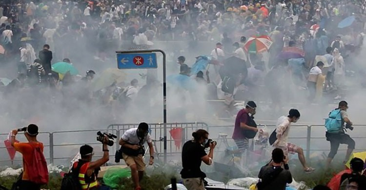 Occupy Central Protests in Hong Kong an Ideal Guide for Chinese Parenting